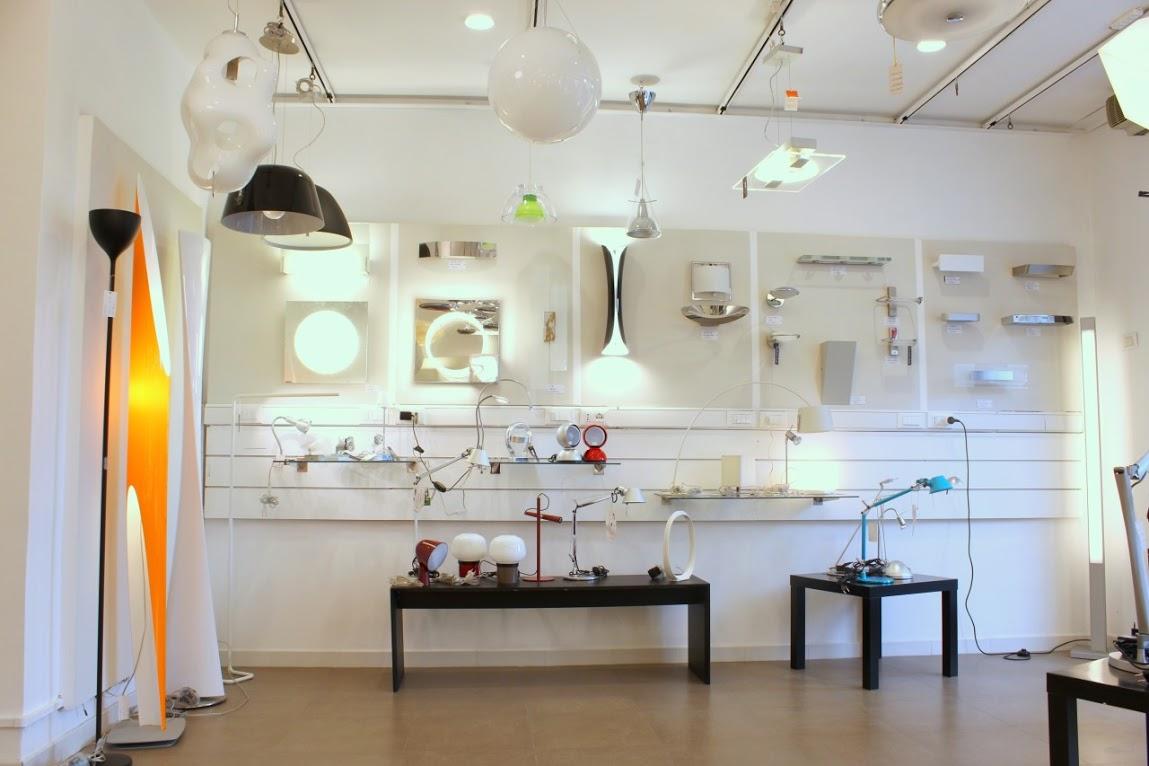 Negozi di illuminazione roma centro: negozi in vendita in sardegna